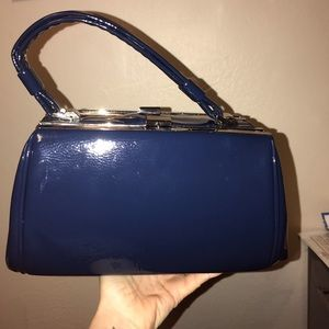 Handbags - Cute vintage style patent leather bag.